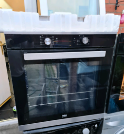 BEKO SINGLE BUILT-IN ELECTRIC OVEN BLACK COLOUR