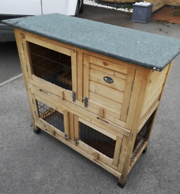 Rabbit hutch (can deliver for fee)