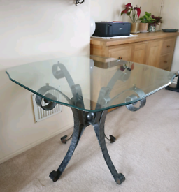 3ft Glass Table