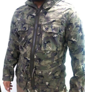 CAMO HUNTING JACKET- LARGE / WATER REPELLENT & WIND PROOF