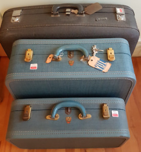 Vintage 1950's: 3 pieces of luggage.