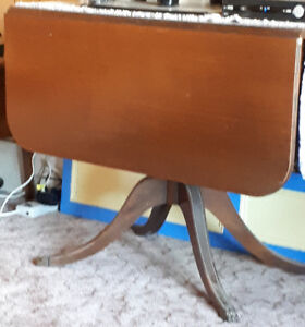 Duncan Phyfe Drop Leaf Dining Table with Four Chairs