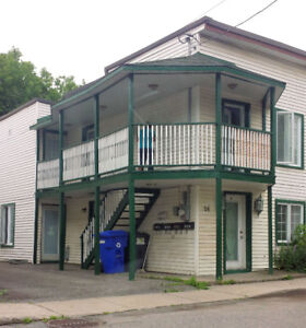 Appartement à louer • Fully furnished • Utilities incl • July •