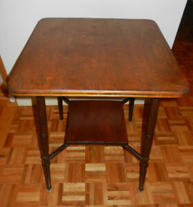 TABLE D'APPOINT ANTIQUE HAUTE /  HIGH ANTIQUE END TABLE