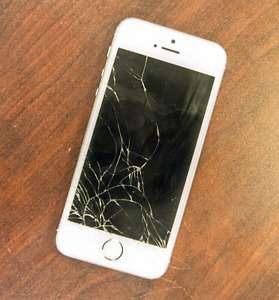 BUYING: BROKEN/LOCKED PHONES + REPAIRS!!