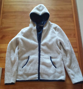 ROXY BRAND SIZE LARGE - WOMEN'S ZIP UP HOODIE/SWEATER-$10