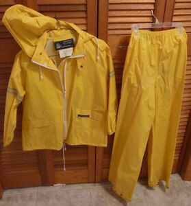 Rain suit perfect for camping and cottage