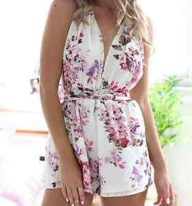 BRAND NEW Crisscross Multiple- Tie Flower Print Romper Playsuit Kitchener / Waterloo Kitchener Area image 3