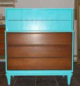 Mid Century 5 Drawer Dresser