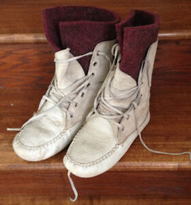Womens Genuine Leather Moccasin Boots - Size 7 - 7.5