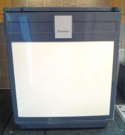 'Dometic' Small Fridge Ideal for Keep Beer/Wines Cool £25