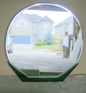 109 cm round mirror, Italian, wood base, perfect reflection