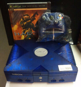 VERY RARE- XBOX ICE BLUE HALO 2 LIMITED EDITION