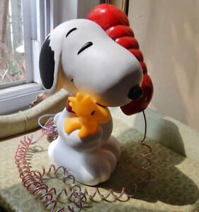 SOLD!  Fun 1990's Snoopy & Woodstock telephone complete