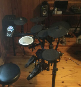 Roland td 11 electronic drum kit (trade for synth gear)