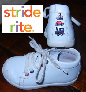 """Stride Rite Boys White Leather """"Marti"""" Booties (Size 6.5M)"""