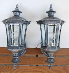 2 Luminaires extérieurs