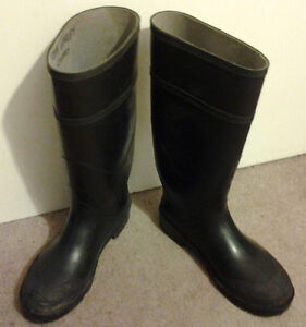 """The """"Steel-Toe Rubber Boots/size 8"""" for sale"""