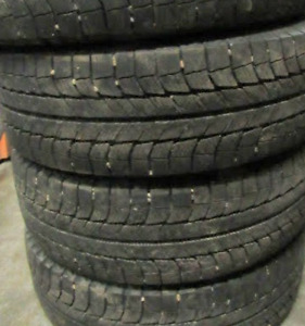 Michelin X-Ice Tires 17 INCH (ONLY 4 TIRES )(P235/65/17)(95% Tre