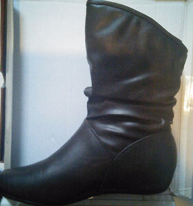 BNIB NYC Couture Designer Womens Fall Fashion Slouch Boots Sz 8