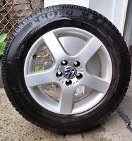 4 mags VW avec pneus d'été/ summer tires (195-65-15)  Bolt patte