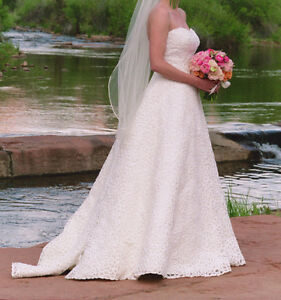 Ivory Strapless Lace Wedding Dress Size 8