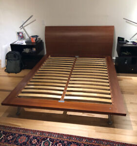 Structube Platform Bed. Great Condition! Tempur-pedic Mattress.