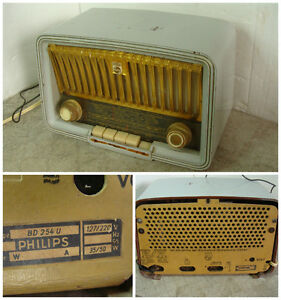Vintage 1955-56 Philips Philetta tube radio