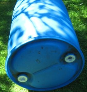 RAIN BARREL 208 LITRES WITH HOLE COVERS