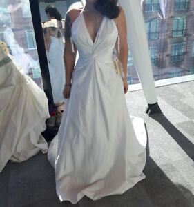 New Halter/A-Line Ivory Wedding Dress