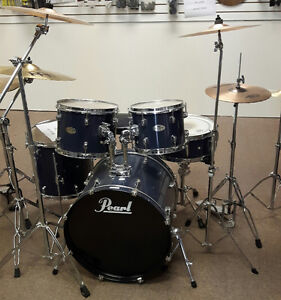 Pearl Forum Set with Hardware and Cymbals