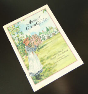 Anne of Green Gables - Press Out & Dress Up Activity Doll Book