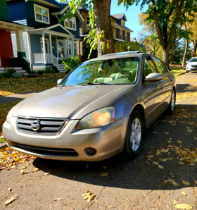 2003 Nissan Altima 2.5 SL  Low Kms and Fully Loaded