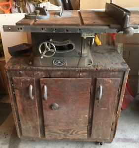 Vintage BEAVERS 2200 table saw in good working condition