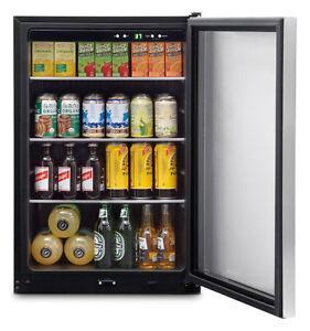 Frigidaire 4.6 Cu. Ft fridge, Excellent condition