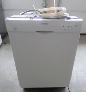 Bosch White Dishwasher SS Inside in Great Condition