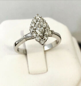 18k gold marquise cut Halo diamond engagement ring *Stunning