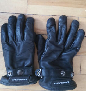 MOTORCYCLE GLOVES - new, women's M, only worn once, leather