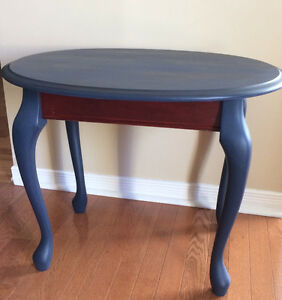 COFFEE/ ACCENT TABLE