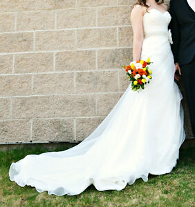 Selling wedding dress (keeping the man!)