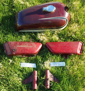 1973 to 1975 Yamaha RD350 Gas tank, oil tank, side cover, etc.