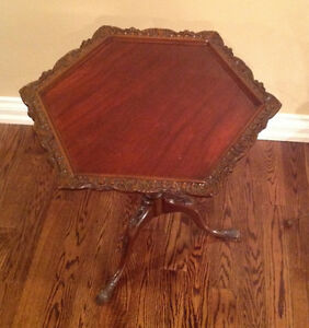tilt top antique table