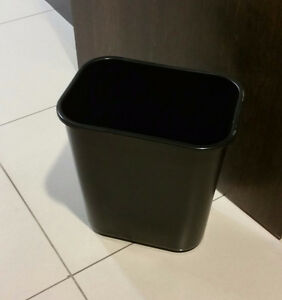 Black Plastic garbage Cans
