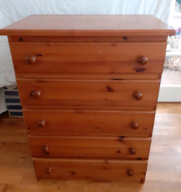 Solid pine chest of drawers *delivery available*