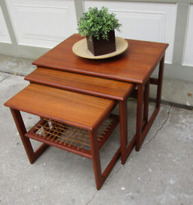 1970S 3 PIECE SET OF NESTING TABLES - GOOD COND.