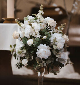 Wedding ceremony / headtable flower centerpieces