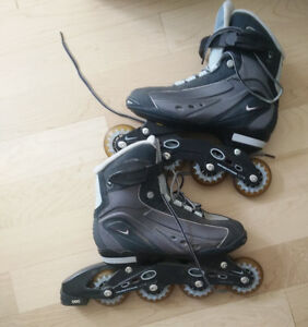 Nike rollerblades in barley used condition, women's 8