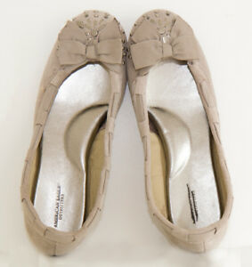 Brand new, never worn, size 7, American Eagle Outfitters