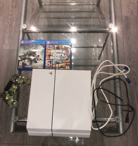 PS4 500GB + 2 GTA 5 AND DESTINY 2 ❗️