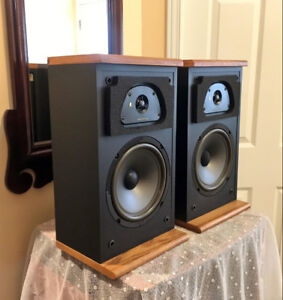 Attractive Acoustic Research 2-Way SpeakersTSW-210